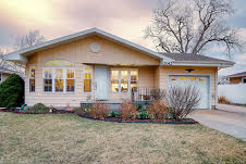 Delightful Looking Ranch home w/ Finished Basement – 2042 Wesley St