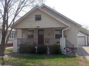 Cute Home has Steel Siding – 902 E Ash St  In