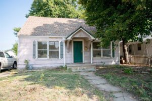 3 bed, 1 bath home with large yard – 659 S 4th St