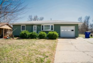 Home For Sale – 1027 Cottonwood Street, Junction City