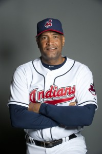 Sandy Alomar Jr. wins managerial debut for Indians