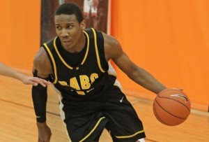 Top-ranked guard Selden commits to Kansas