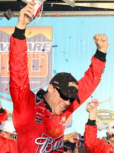 Harvick wins at Phoenix