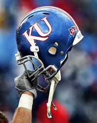 Kansas suspends TE Sizemore for 3 games
