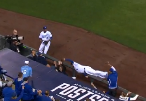 What a catch! Watch Moustakas' amazing game 3 play (VIDEO)