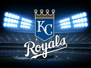 Perez homers, Royals win 2nd straight