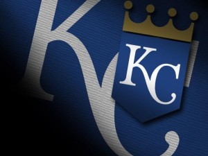 Fowler's grand slam helps Cardinals complete sweep of Royals