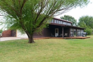 Home For Sale – 206 Coronado Court, Lindsborg