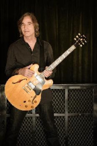 Jackson Browne To Perform at Stiefel Theatre This Sunday