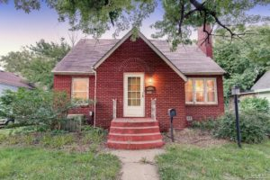 Home For Sale – 869 Custer Street
