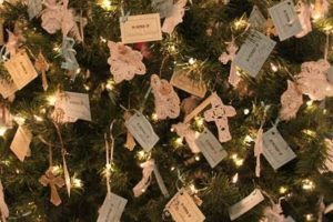 """Hospice of Dickinson County  """"Remember Me Tree"""""""