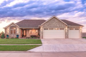 4 Bed and 3 bath ranch home – 1217 Shoreline Drive