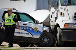 Accident sends Saline County Sheriff's Deputy to hospital