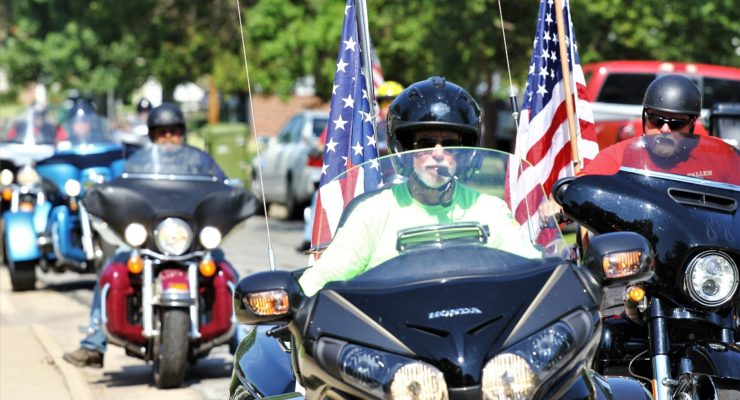 Tribute to Fallen Soldiers riders visit Salina family