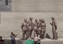 Eisenhower's Relatives Drop Objections to Ike Memorial