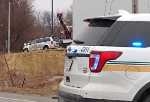 Kansas man dead, taxi driver arrested after crash