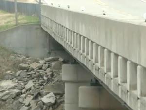 Sheriff: Woman hospitalized after fall from Ottawa Co. bridge