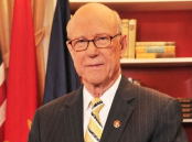 Senator Roberts apologizes for mammogram joke