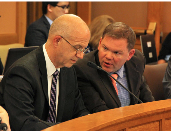 Kansas lawmakers considering pay raises in budget talks