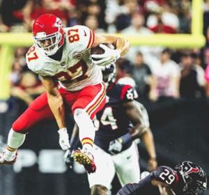 Undefeated Chiefs beat Texans; Watt breaks left leg