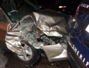 Driver accused of DUI in crash that broke Kan. deputy's leg