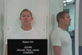 Man accused of photographing patrons at Kan. tanning salon enters plea