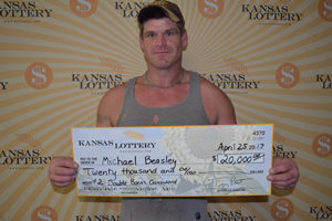 Salina man takes home $20,000 lottery prize