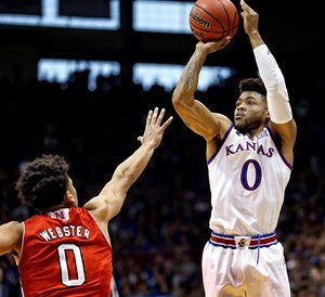 Mason powers No. 2 Kansas to second-half surge over Sooners, 81-70