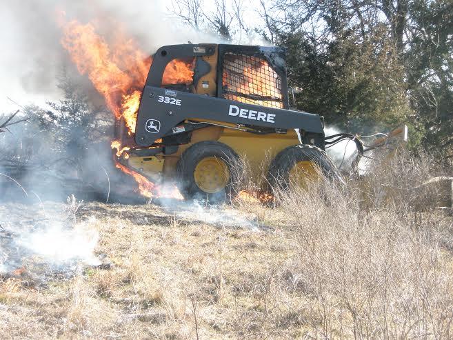John Deere 332 >> Fire destroys skid loader Friday afternoon - The Salina Post