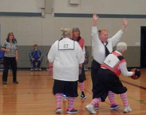 Granny Basketball 31